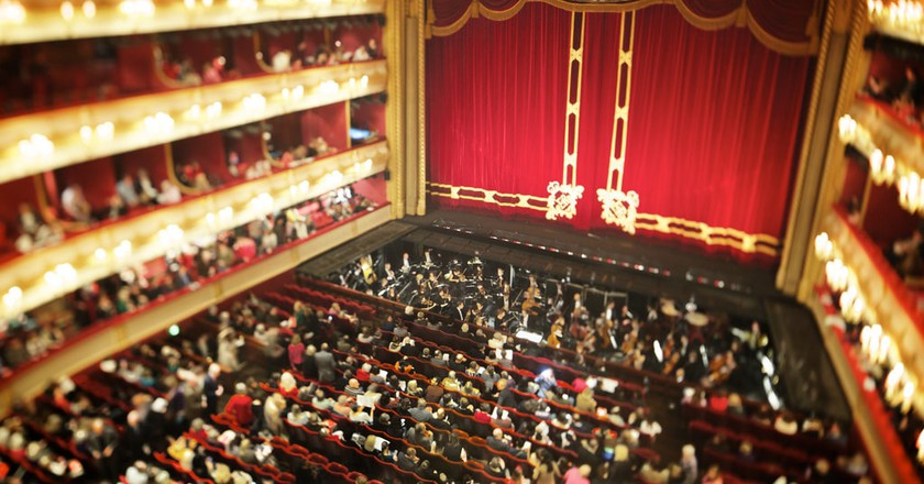 The interior of the Royal Opera House | © Aurelien Guichard/Flickr
