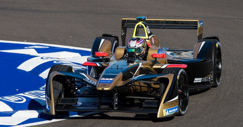 Jean-Éric Vergne racing at the 2018 Marrakesh ePrix | © Zak Mauger/LAT/Formula E