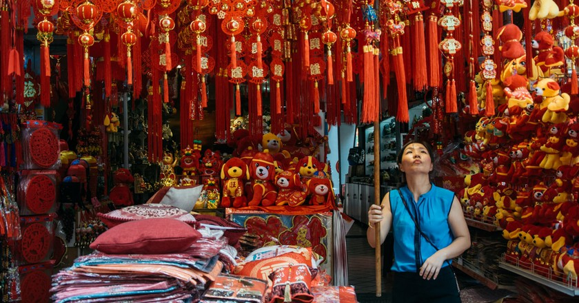 30 Beautiful Photos of Life in Singapore's Chinatown