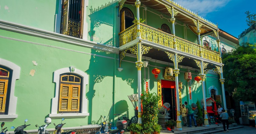 Pinang Peranakan Mansion, also known as the 'Green Mansion', in Penang, Malaysia | © Fotos593 / Shutterstock