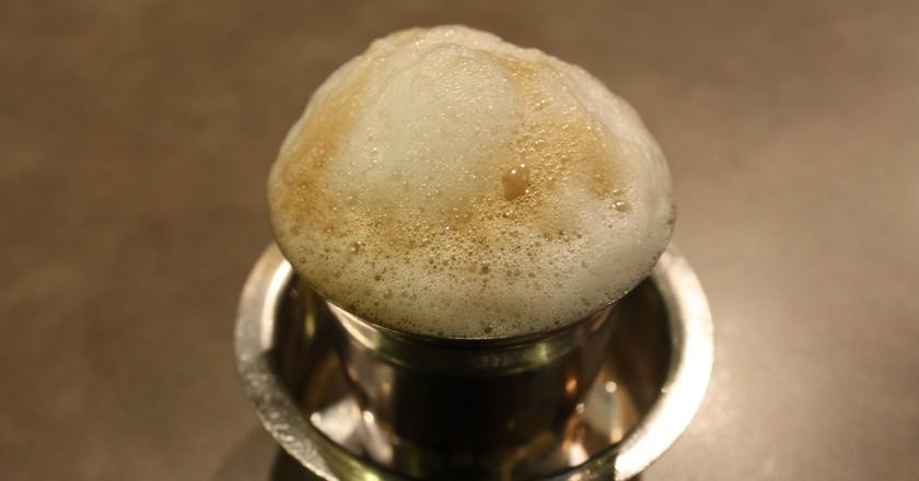 Tea and coffee time   © Ambarish / WikiCommons