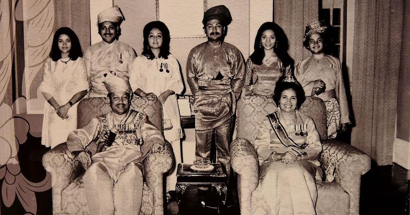 Royal family photo of the 10th Agong of Malaysia   © Osama Shukir Muhammed Amin FRCP(Glasg)/WikiCommons