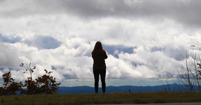 Marlena and the clouds | © daveynin/Flickr