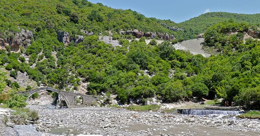 Benja Hot Springs near Permet|©Rolf/Flickr