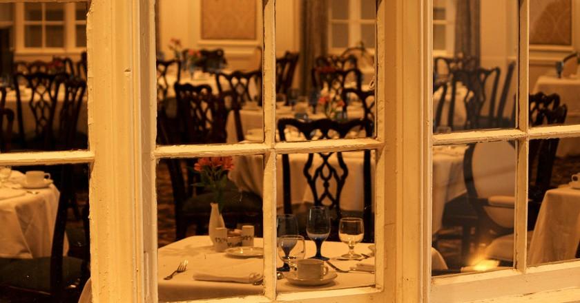 Dining room. JamesDeMers (c)   Pixabay