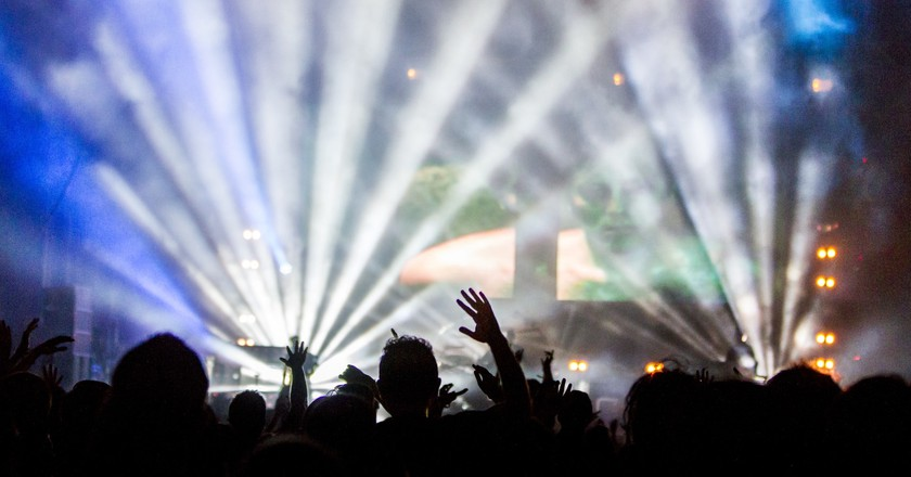 Crowd at a party | © daniel dinu/pexels