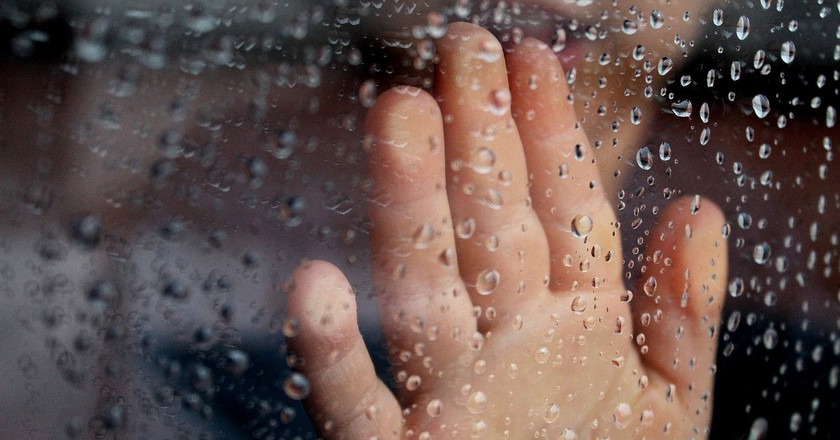 window on a rainy day | ©tatlin / Pixabay