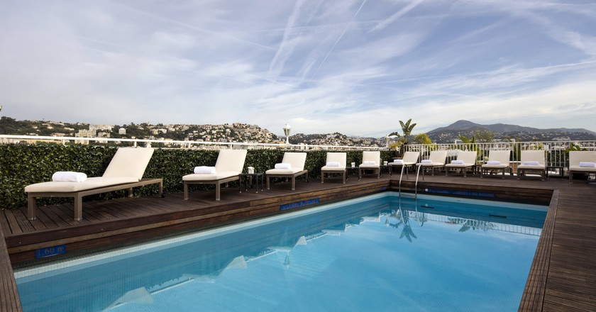 The rooftop pool that is simply splendid at the Splendid Hotel & Spa in Nice | © Courtesy of Splendid Hotel & Spa