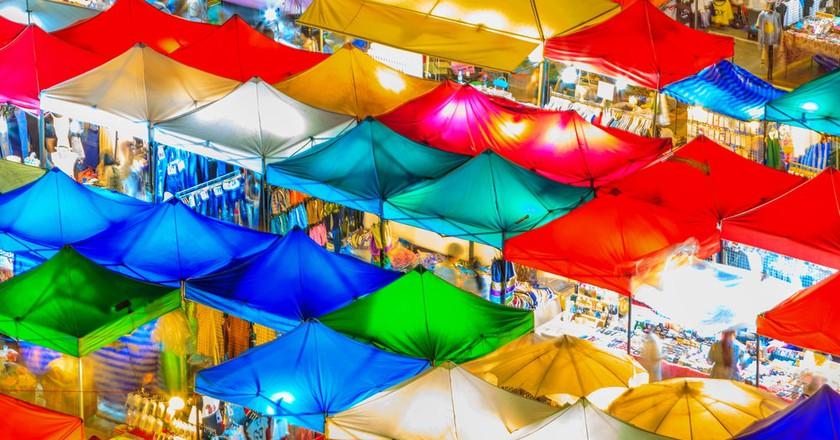 Vibrant colours at Rot Fai Market, Bangkok | © Avigator Thailand / Shutterstock