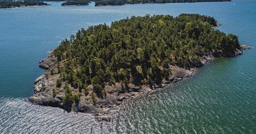 This Wellness Island Is an Actual No Man's Land