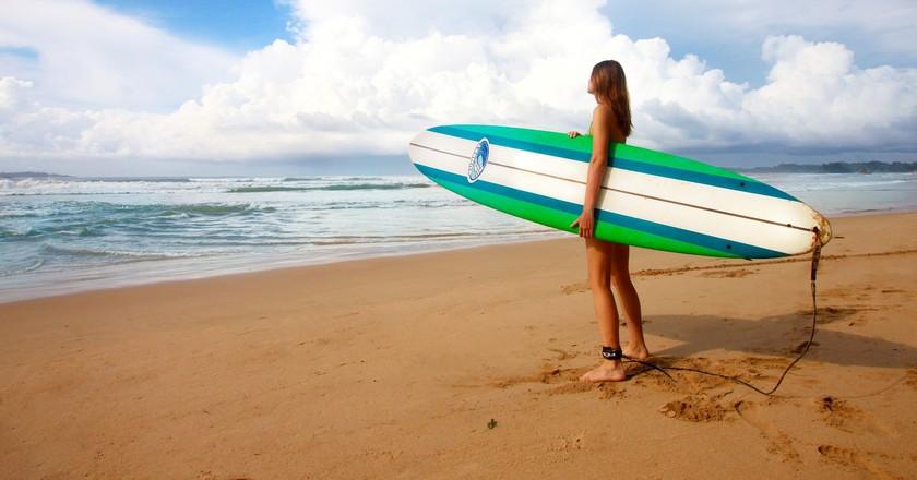© Pixabay https://pixabay.com/en/surfing-girl-female-surfer-1210040/