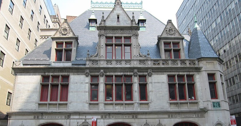 Firehouse, Engine Company 31 on 87 Lafayette Street in New York | Photo by Gryffindor/WikiCommons