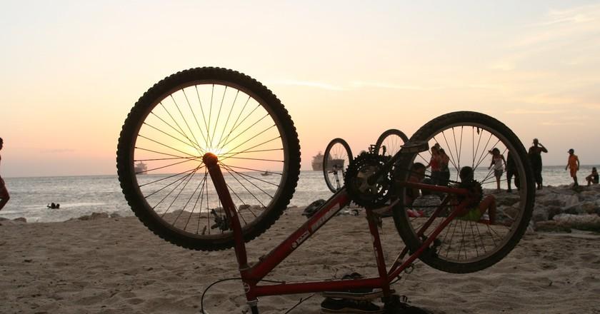 Cycling in Colombia   © Carlos Adampol Galindo / Flickr