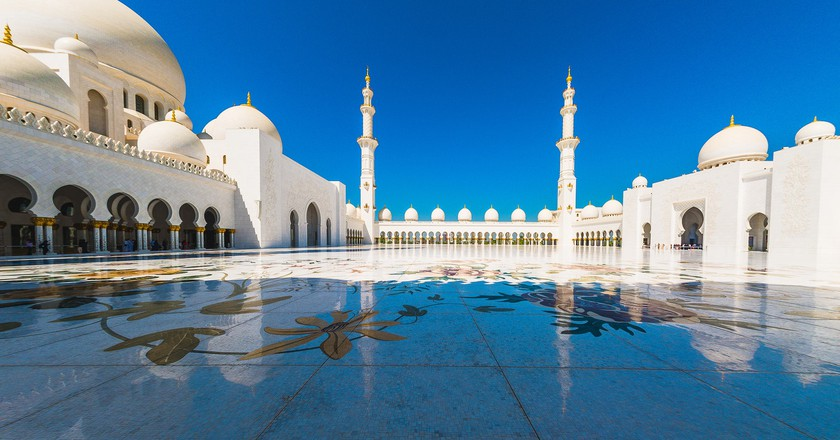 Sheikh Zayed Grand Mosque is the perfect place for a long walk of pondering and relaxation