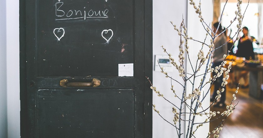 Bonjour is one of the most important words in French |© Foundry / Pixabay