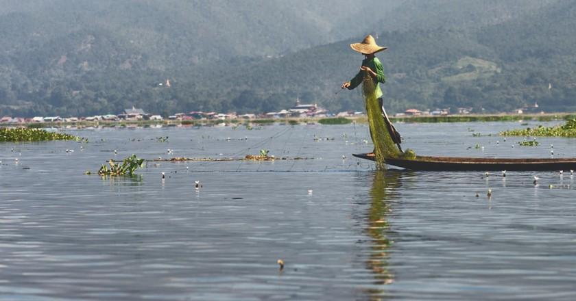 Inle Lake, Maing Touk Village, Myanmar   © insideout78/Shutterstock