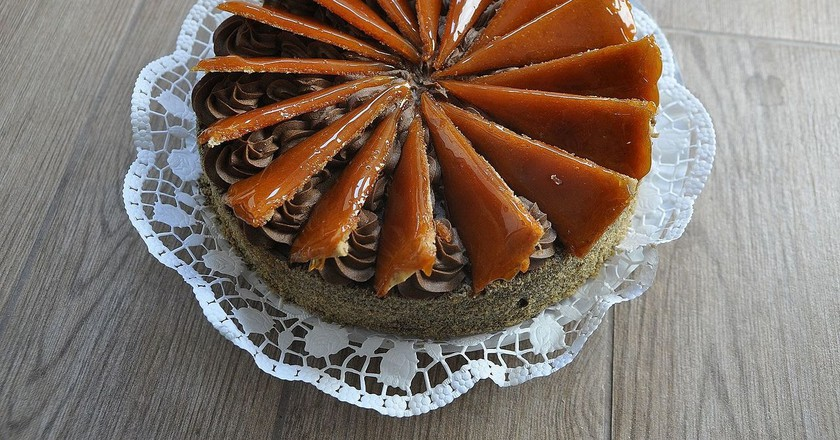 A whole Hungarian Dobos cake