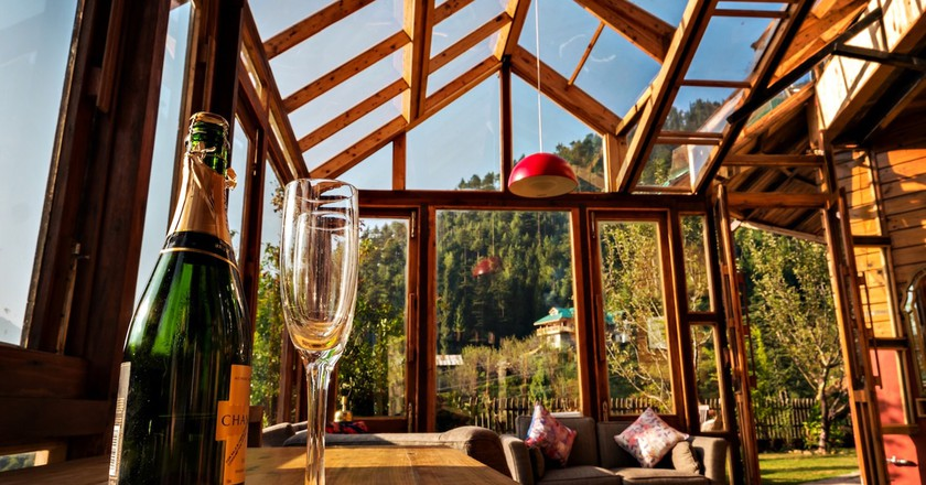 The panoramic view of Manali from Taara House Luxury Cottage