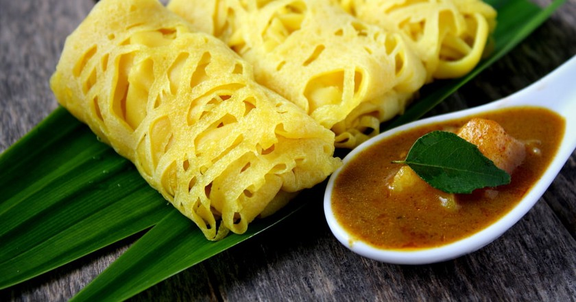 Roti Jala- Traditional Malaysian cake | © Dolly MJ/Shutterstock