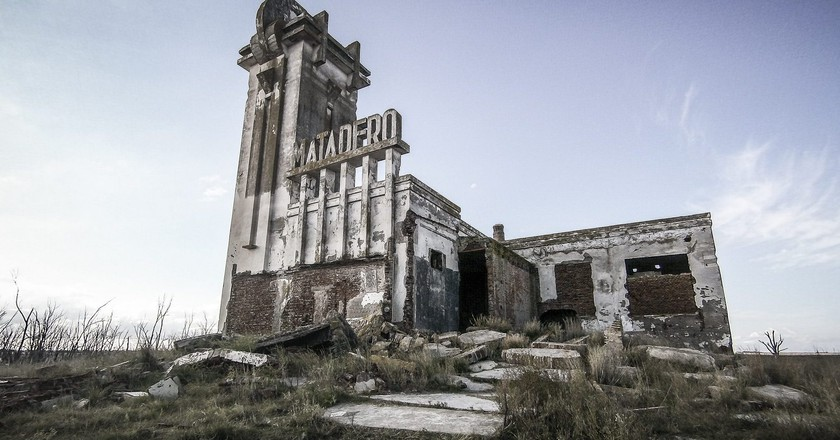 """Welcome to Villa Epecuén: Argentina's Underwater """"Town that Drowned"""""""