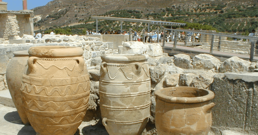 Knossos ceramics © m a g i e / Flickr