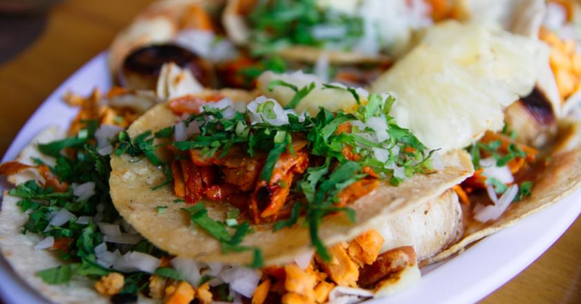 Tacos al pastor made with adobada meat | © William Neuheisel /Wikicommons