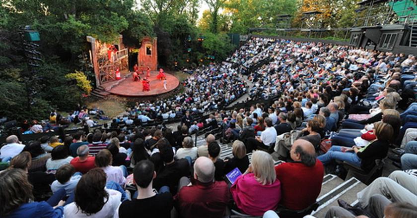 Regent's Park Open Air Theatre Seating ©TomJAnderson at en.wikipedia
