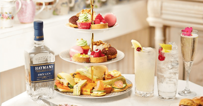 You Can Now Have Gin Cocktails and Afternoon Tea on a Vintage Bus