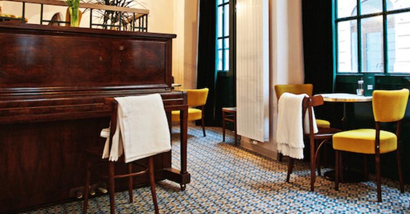 Dobre & Dobré's interior is designed to encourage lingering over delicious food and drinks for hours  | ©Dobre&Dobré/Facebook