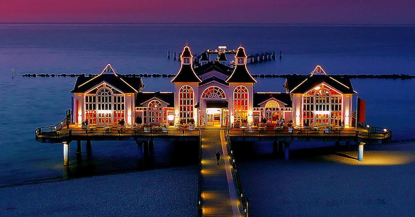 The pier at dusk, Sellin, Germany | Wikimedia