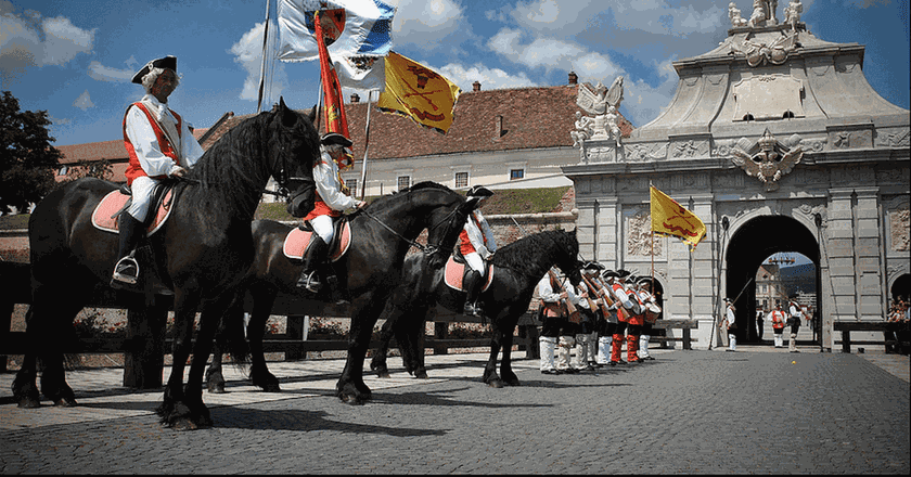 Change of the Guard at Alba Carolina | © _Monica_ /Flickr