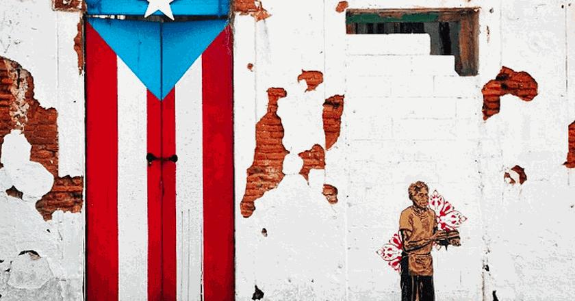 Painted door in old San Juan | © Jared Zimmerman / Wikimedia Commons