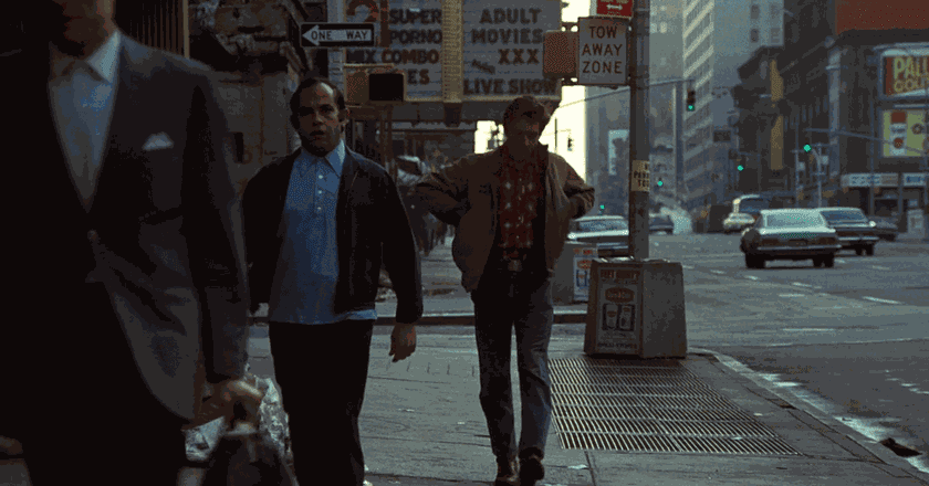 Robert De Niro on 8th Avenue in 'Taxi Driver' | © Columbia Pictures