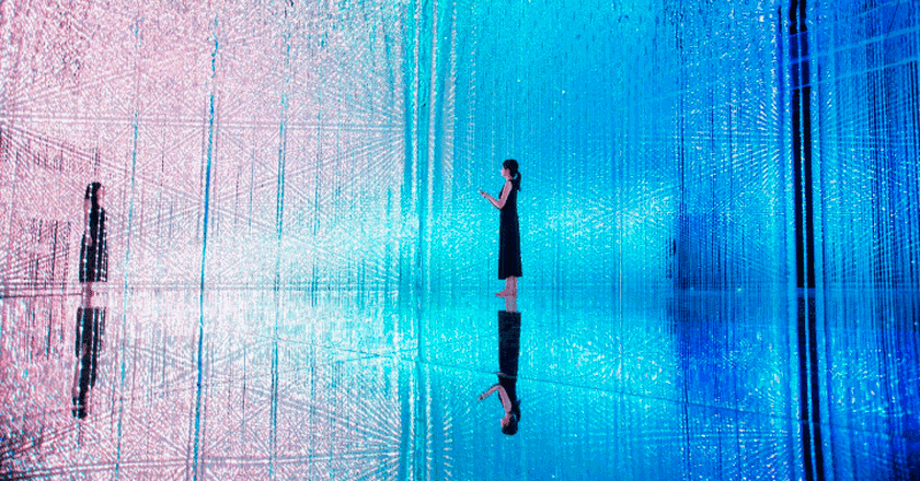 Wander through the Crystal Universe   Courtesy of teamLab