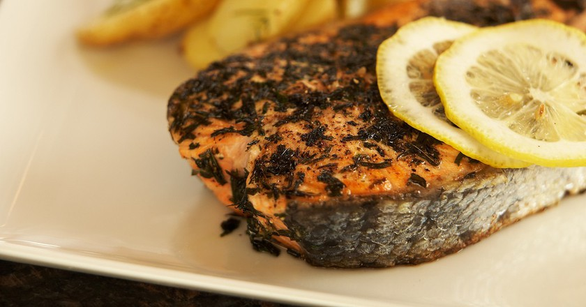 Atlantic Salmon with Tarragon and Pepper Crust ©Breville USA