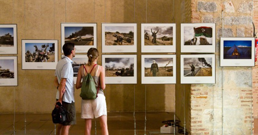 Photography Exhibition| © Atursports/Shutterstock