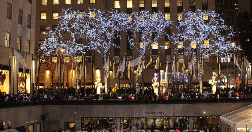 The twinkling Christmas trees that crop up in every square of New York City over the holiday season endow each neighborhood with holiday charm © Jeff Kern / Flickr