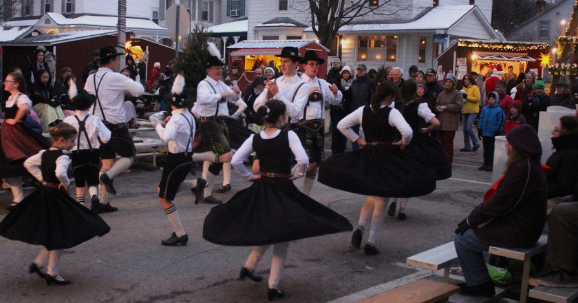 Schuhplattler dancing | © fishhawk/Flickr