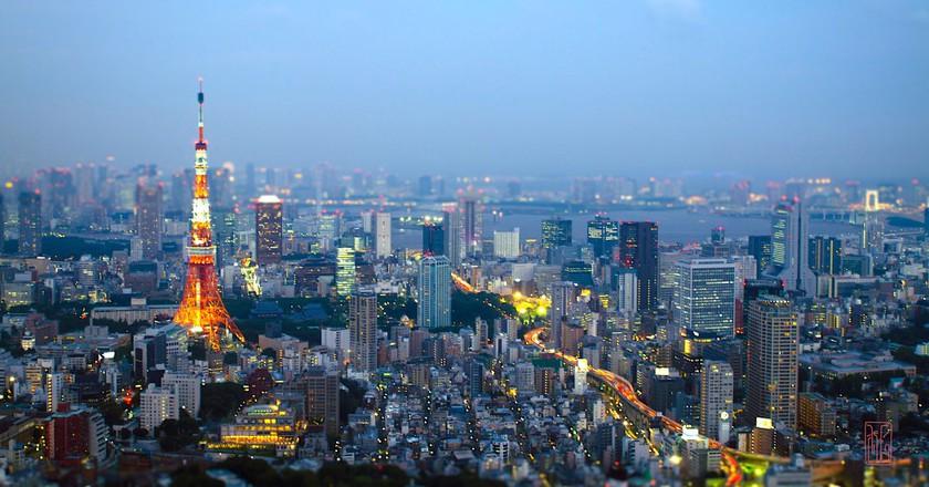 Tokyo evening skyline   © marc emer/Flickr