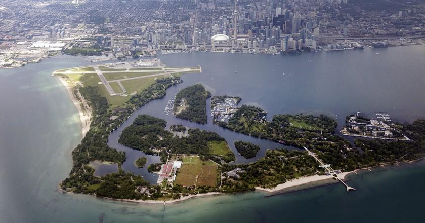 Aerial view of Toronto Island. Toronto, Ontario, Canada   ©Henryk Sadura / Shutterstock