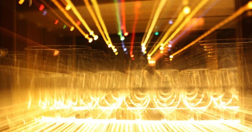 Neon glasses | © Newsbie Pix/Flickr