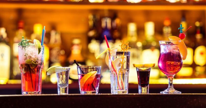 Selection of tropical cocktails | ©Goncharov_Artem/Shutterstock