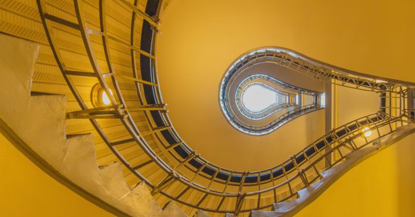 Light bulb shaped cubism staircase in the centre of old Prague | © Krcil/Shutterstock