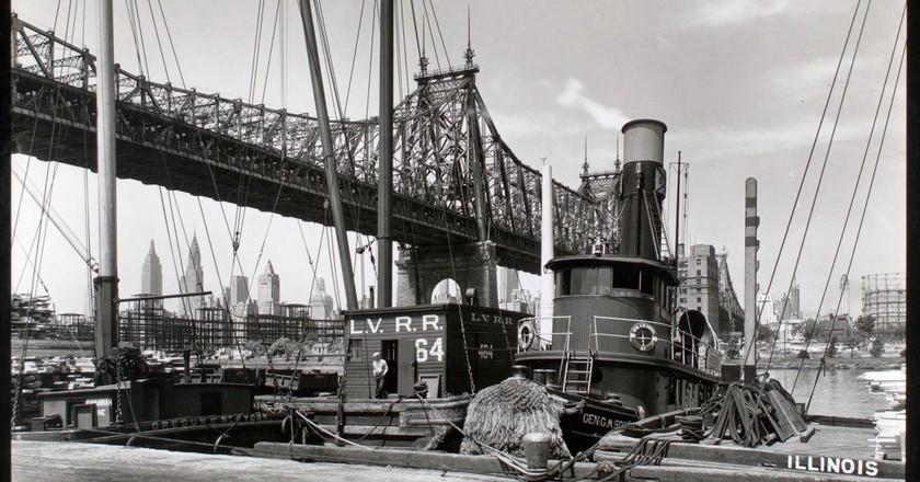 1930s - Queensboro Bridge II. Long Island City, Queens, southwest from pier at 41st Road (Berenice Abbott)   © Tomáš Marounek/Flickr