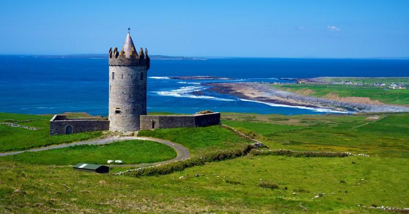 Doonagore Castle   © Daniel Stockman/Flickr