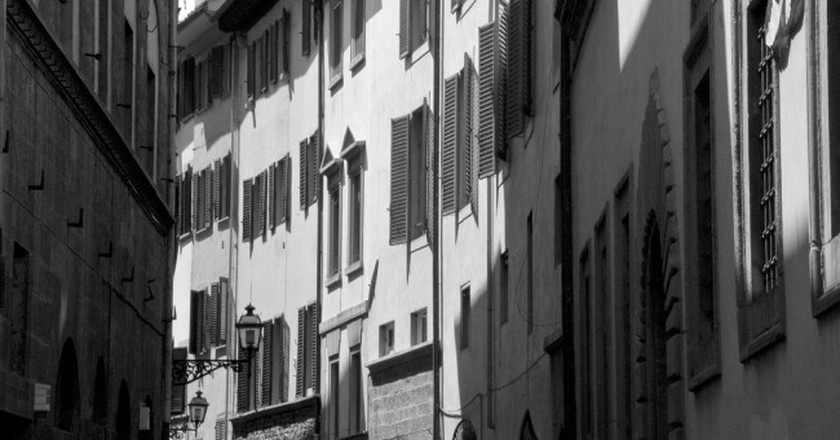 The narrow, windy streets of the Oltrarno | © Tavallai/Flickr