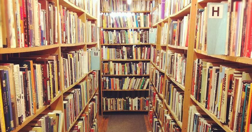 Myopic Books aisle | © Lauren Manning/Flickr