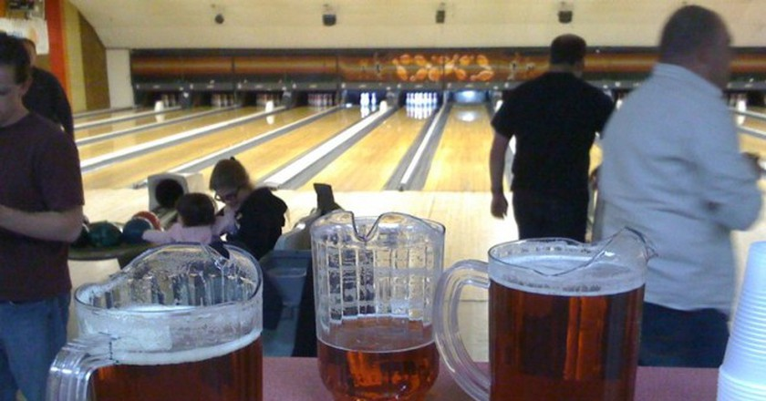 Bowling and Beers | © Steve Ganz/Flickr