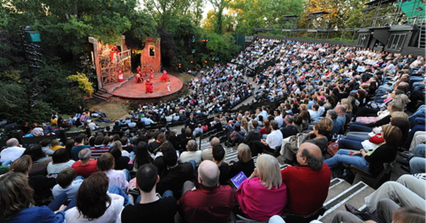 Regent's Park Open Air Theatre Seating ©TomJAnderson at en.wikipedia