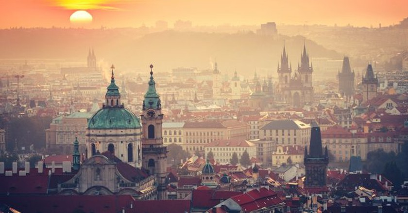 Prague at sunrise  | © Jaromir Chalabala / Shutterstock